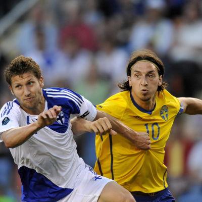 Joona Toivio och Zlatan Ibrahimovic, 2011