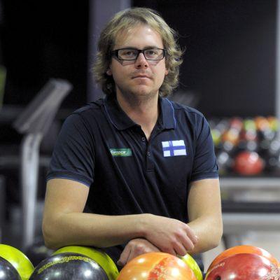 Tony Ranta och Finlands bowlinglag tror på seger.