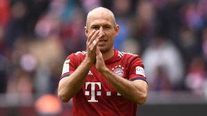 Arjen Robben klappar.
