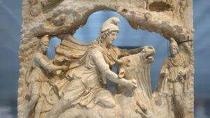 Solguden Mithras slaktar en tjur.