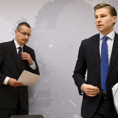Lagstiftningsråd Janne Kanerva och justitieminister Antti Häkkänen (Samlingspartiet)