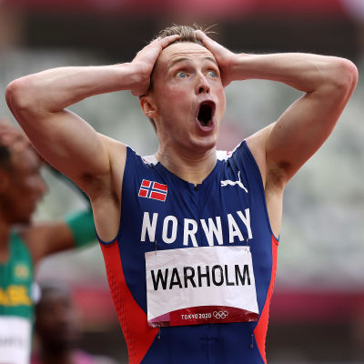 Karsten Warholm ei ole uskoa silmiiän: 45,94!