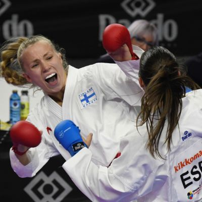 Titta Keinänen jagar medalj i karate