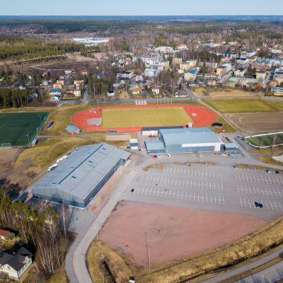Karis idrottspark från luften sett.