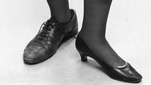 Manlig och kvinnlig fot