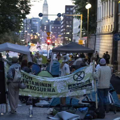 Elokapinas protest på Unionsgatan i Helsingfors.
