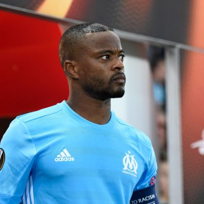 Patrice Evra inför en Europa League-match,