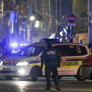Polis på plats efter skottlossning i Strasbourg, Frankrike.