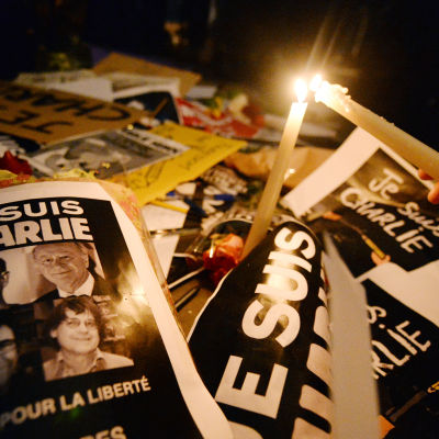 Demonstrationer i Frankrike efter attentat mot Charlie Hebdo
