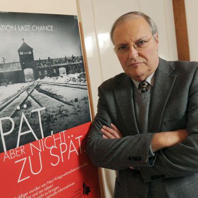 Efraim Zuroff leder Simon Wiesenthal-centrets kontor i Jerusalem. Han fotograferades i München den 25 november 2013.