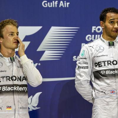 Prisceremoni vid F1-loppet i Bahrain 2014