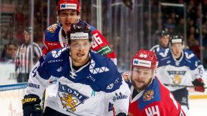Mikko Lehtonen i en match mot Ryssland.