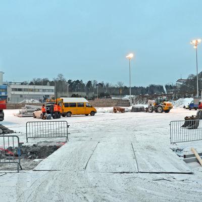 Här ska den nya uppblåsbara bollhallen resa sig, på Tölö fotbollsplan nummer 7.