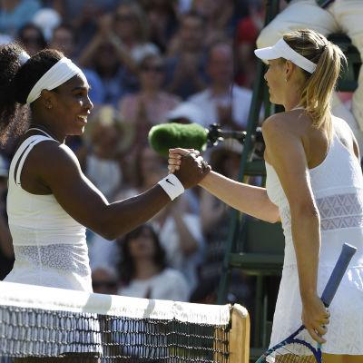 Serena Williams gav ingen chans åt Maria Sharapova.