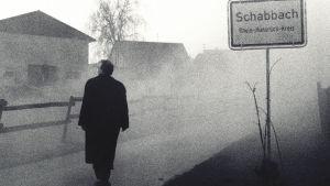 Schabbachin kylätie sumuisena päiväna 1989