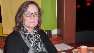 Grundtrygghetsdirektör Elisabeth Kajander i Hangö.