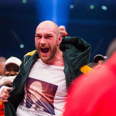 Tyson Fury efter att ha besegrat Volodomir Klytjko