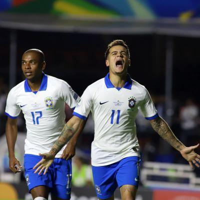 Philippe Coutinho jublar.