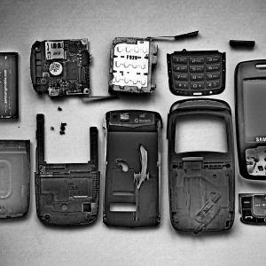 trasiga mobiltelefoner.