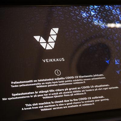 Veikkaus spelautomat, skärm. Det står att automaten är stängd på grund av coronapandemin.
