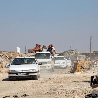 Bilkonvoj i södra Aleppo.