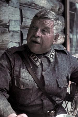 kenraaliluutnantti Taavetti Laatikainen kesä-heinäkuussa 1942
