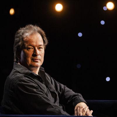 Kuvassa on kirjailija Kjell Westö.