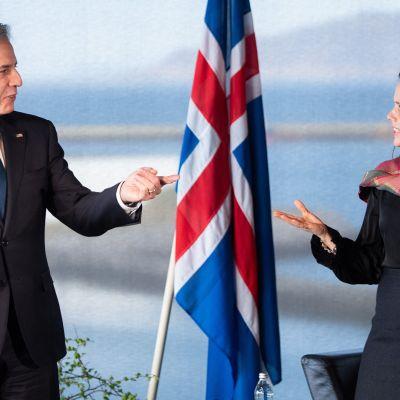 Islands statsminister Katrin Jakobsdottir och USA:s utrikesminister Antony Blinken