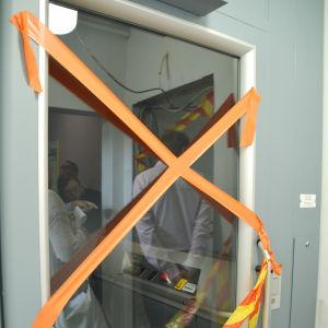 En hiss i domprostgården.