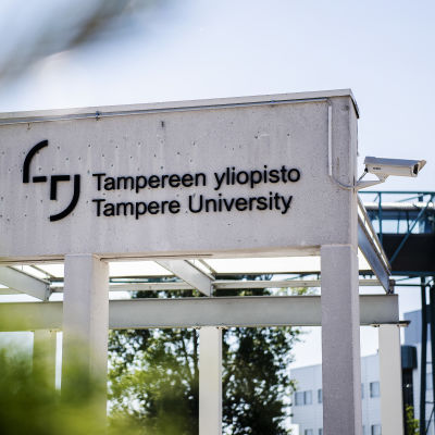 Kuvassa on Tampereen yliopisto kesäkuussa 2020.
