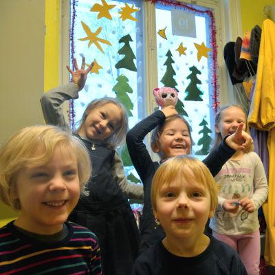 Alvar, Catarina, Emil, Emma och Amaia.