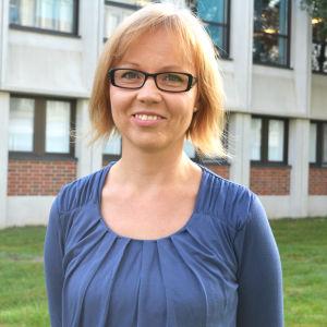 Språkvårdaren Minna Levälahti.