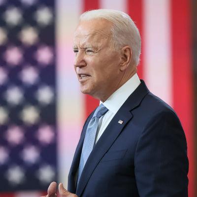 USA:s president Joe Biden talar om rösträtten under ett besök i Philadelphia den 13 juli 2021.