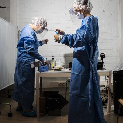 Kuvassa on koronavirustestestausasema Helsingissä elokuun lopulla vuonna 2020.