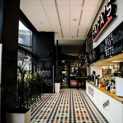 Kuvassa on Helsingin Kaivokadulla sijaitseva ravintola Fafa's.