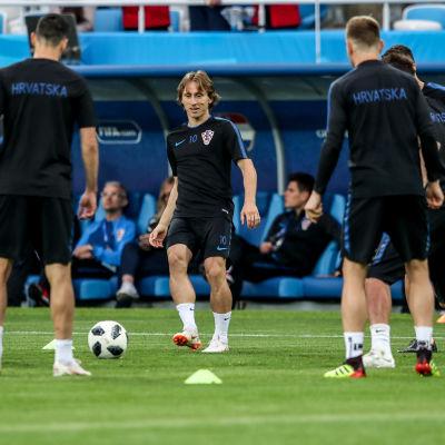 Luka Modric och Kroatien tränar inför VM