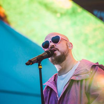 Pyhimys esiintyi YleXPopissa Joensuussa.