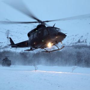 Helikoptrar i Tamokdalen i Norge.
