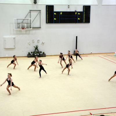 Estetisk truppgymnastik.