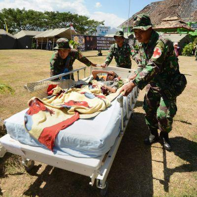 Skadad efter jordskalvet på Lombok.