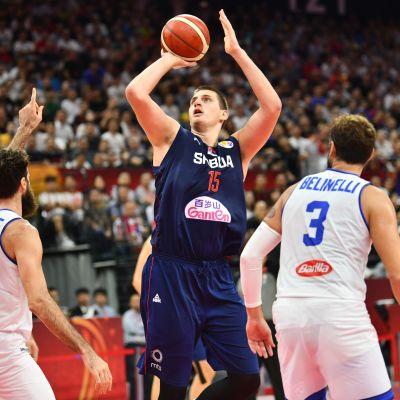 Serbian NBA-pelaajat löivät Italian