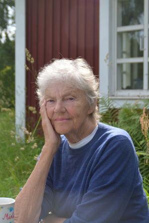 Kirjailija Märta Tikkanen