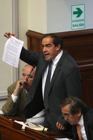 Perus kongress antog med överväldigande majoritet ett förslag om att inleda riksrättsprocessen mot presidenten