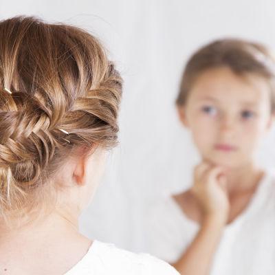 Lapsi ja peili