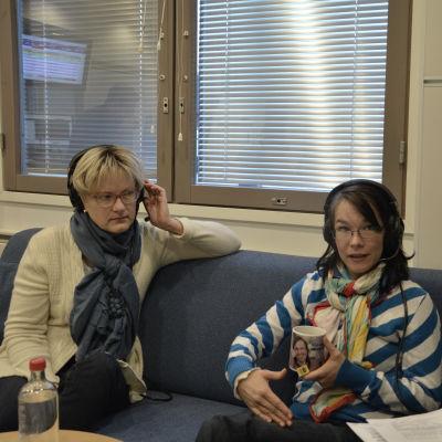 Ulrica Isaksson, Melinda Lönnberg och Marica Hildén fredagssnackade 17.10.2014.