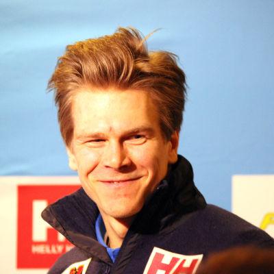 Matias Strandvall inför sprinten i Falun.