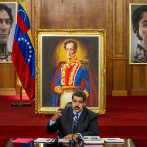 Nicolas Maduro håller ett tal till folket i maj  2016.