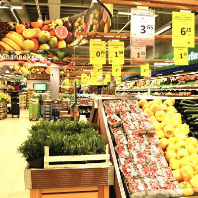 Grönsaker i mataffär