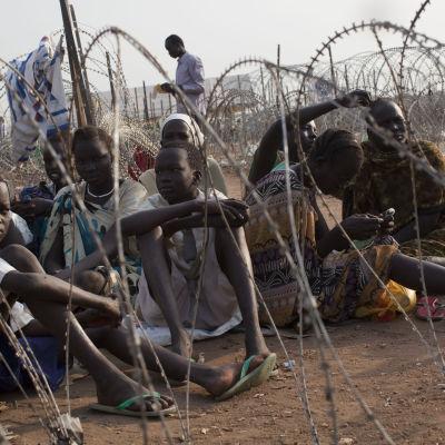 Sydsudanesiska flyktingar på ett läger i Juba i Sydsudan.