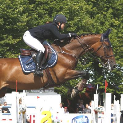 Marina Ehrnrooth och hästen EVLI Luikka i Sea Horse Week 2016.